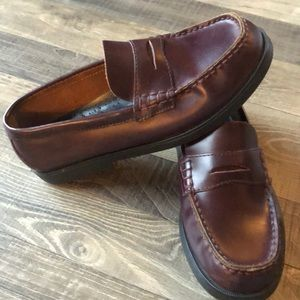 Boys Sperry Topsider dress shoes. 4.5